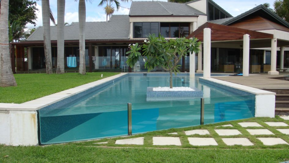 pool-windows-on-lawn